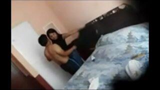 Prostituta de 26 años no sabe que la filman – Atiende a un universitario en un motel la muy perra